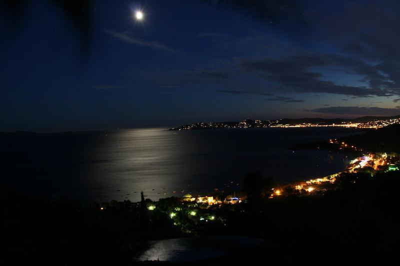 Mond und Mittelmeer