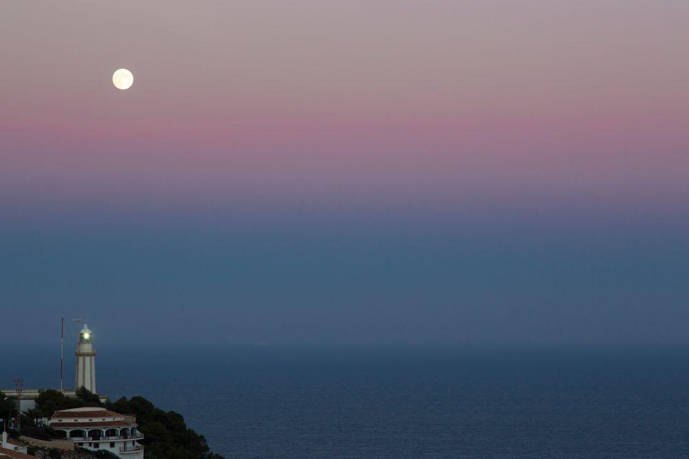 Mondaufgang über dem Cabo de la Nao