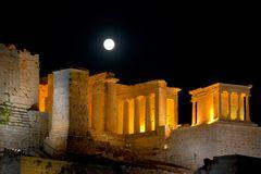 Mondaufgang über der Akropolis