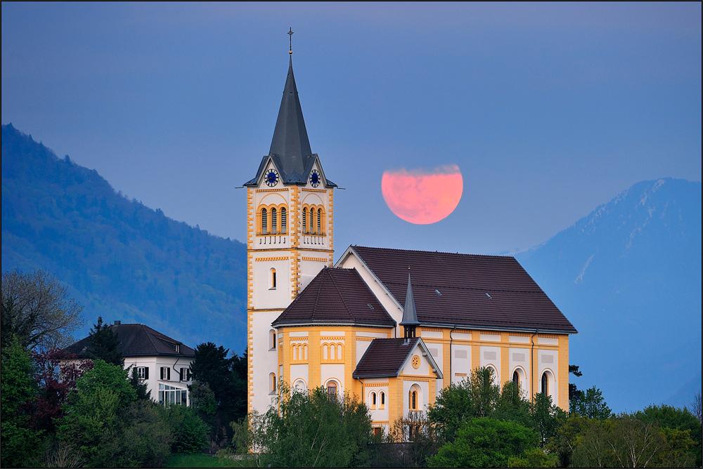 Mondaufgang über St. Laurentius