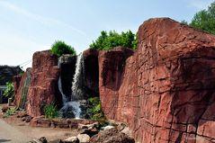 Mondo Verde - Felswand mit Wasserfall