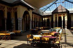 Mondo Verde - spanischer Garten - Alcazar - Innenhof mit Restaurant