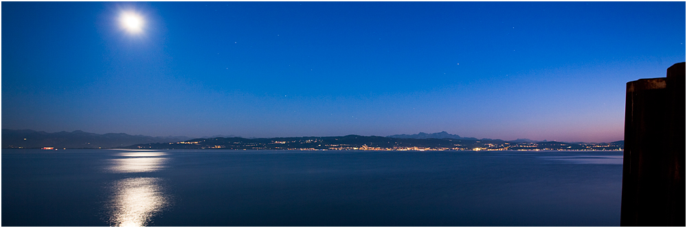 Mondschein nach der blauen Stunde