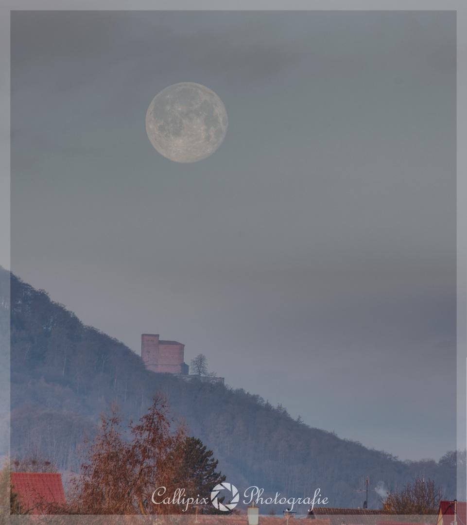 Monduntergang am Trifels