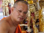 Monk at Wat Arun 03