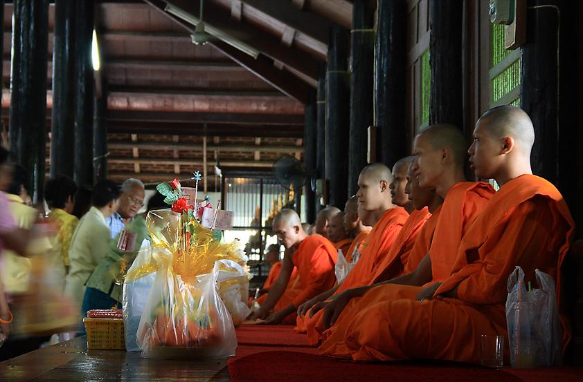 Monk pray