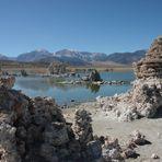 Mono Lake in Kalifornien - salzhaltiger Vulkansee mit Kalktuff-Formationen