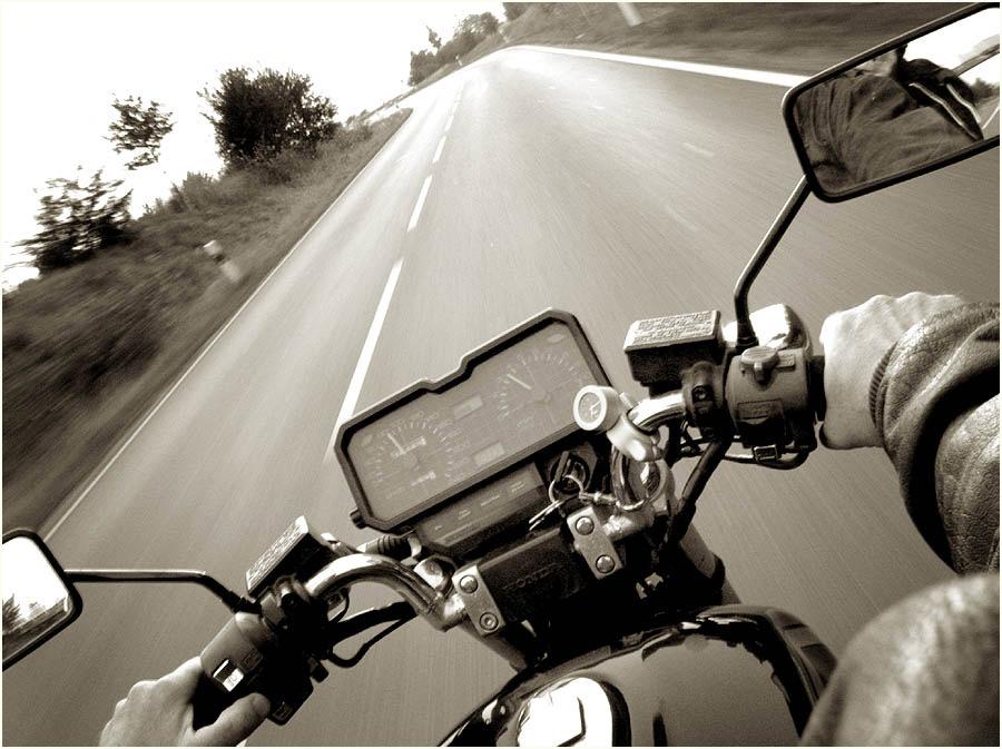 [ monochrome ride ]