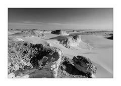 monochrome Wüste