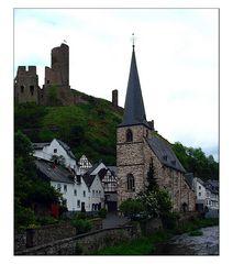 Monreal - Blick auf die Löwenburg (reload)