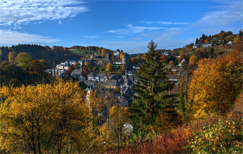 Monschau im Herbst