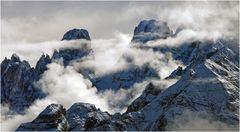 Monte Cristallo (rechts) und Piz Popena (links)