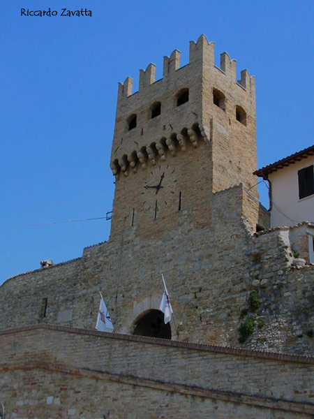 Montefalco (PG) - Torre con l'orologio