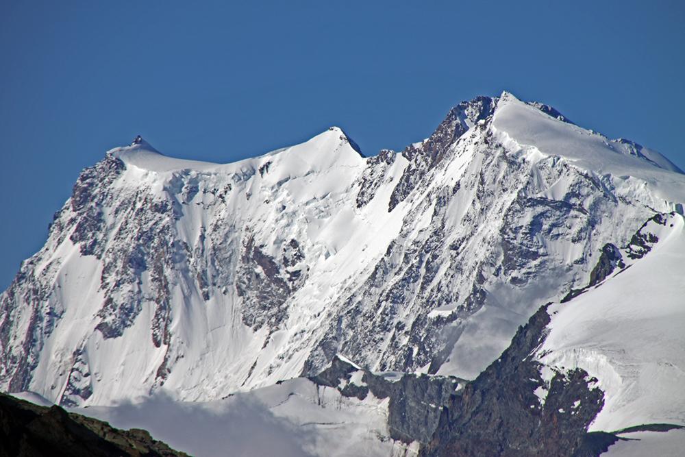 MonteRosa Ostwand aus 3200 Metern oberhalb von HohSaas aufgenommen und damit...