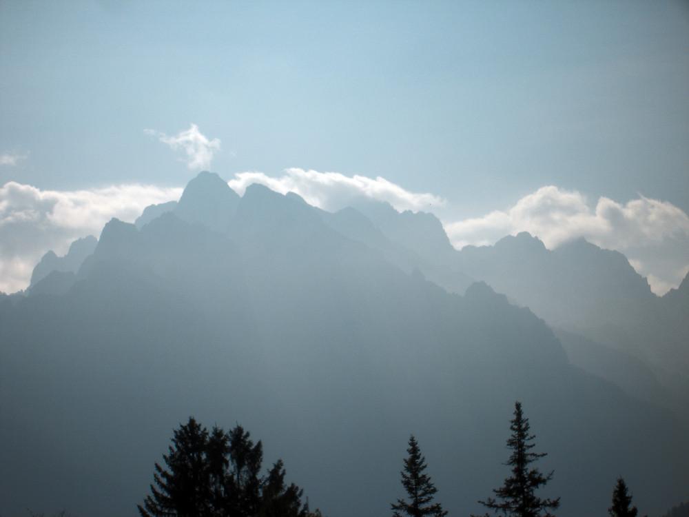 Monti e nuvole