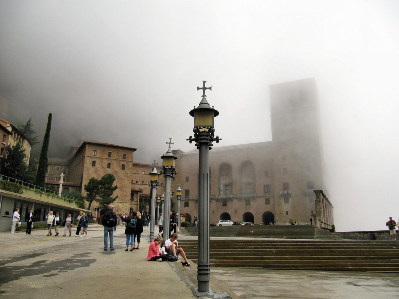 Montserrat in den Wolken