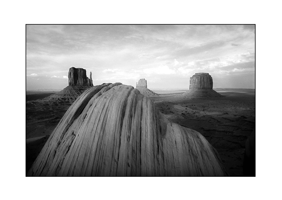 Monument Valley (b&w version)