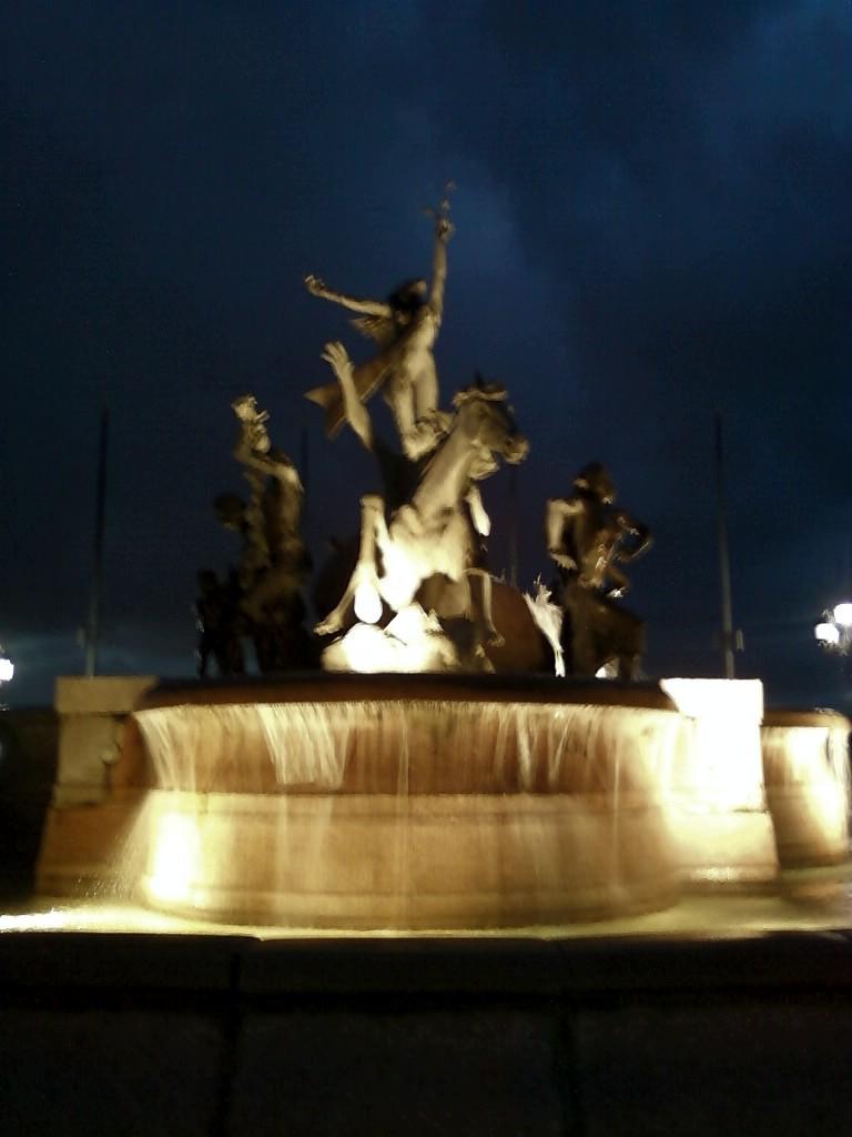 Monumento a las razas, Paseo de la Princesa, Viejo San Juan PR