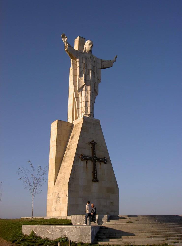 Monumento Corazón de Jesús (Oviedo)