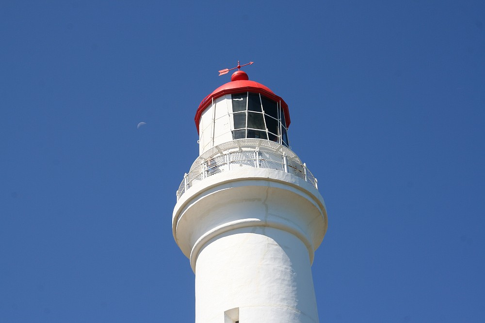 Moon-Lighthouse