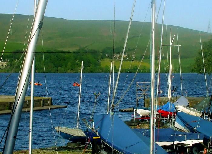 Moor and masts