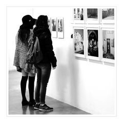 More pictures of an exhibition (Variante)