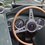 Morgan Plus 8, Cockpit