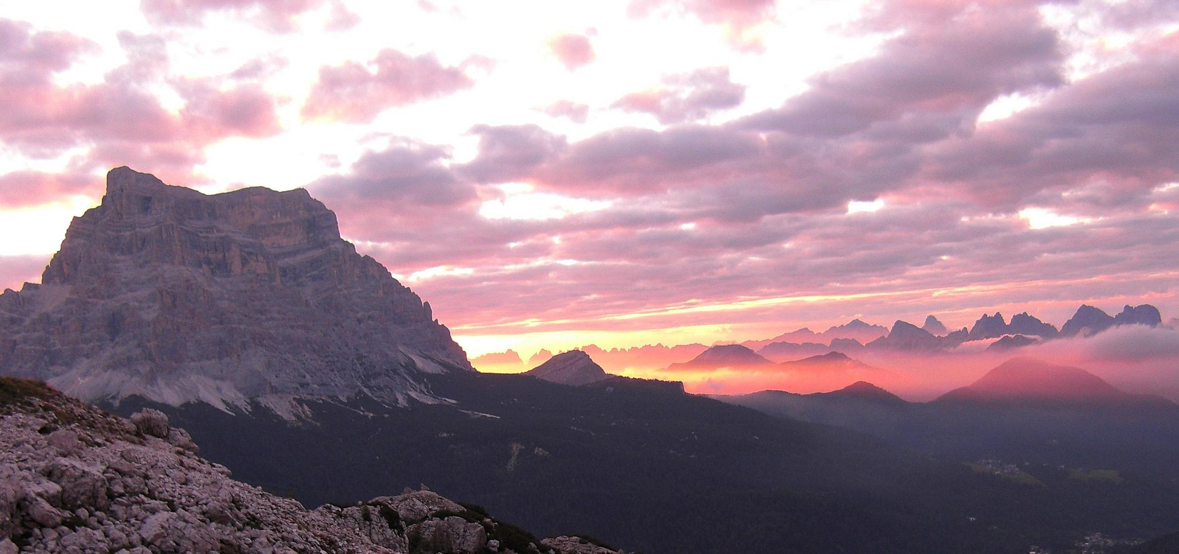 Morgendämmerung am Monte Pelmo