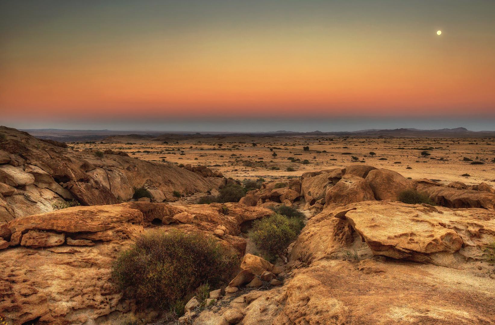 Morgendämmerung in Namibia