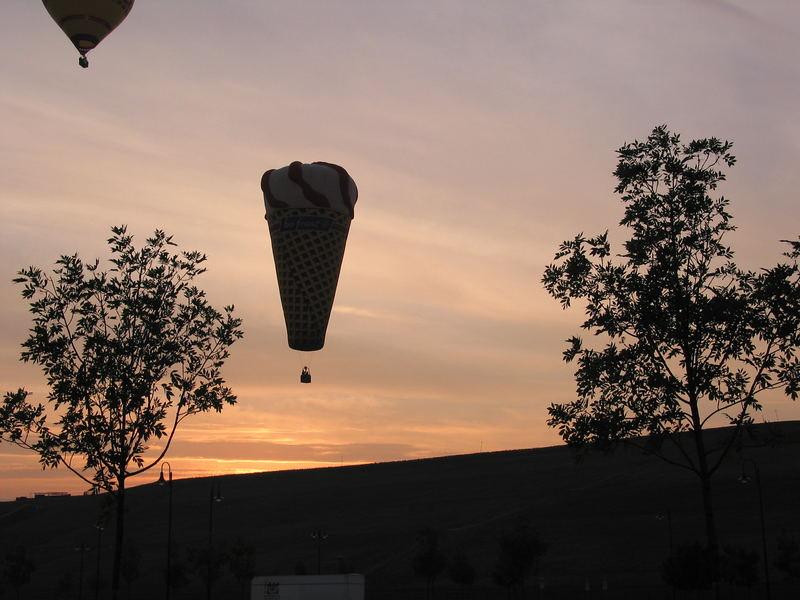 Morgendämmerung/Balone in Magdeburg
