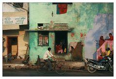 Morgendliche Stassenszene in Agra