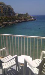 Morgendlicher Blick vom Appartment auf die Bucht von Xlendi