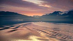 Morgendlicher Blick von Valdez in den Prince William Sound...