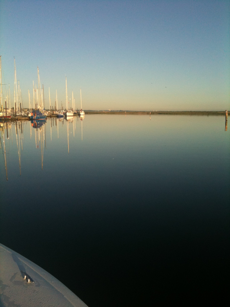 Morgendlicher Ostseehafen