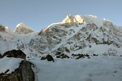 Morgendliches Panorama auf dem Weg zum Larke Pass