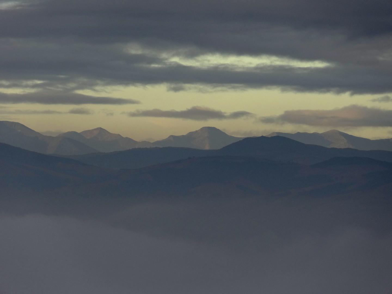 Morgendunst in den Asturischen Bergen