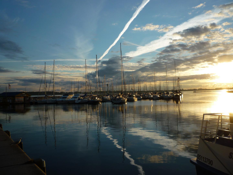 Morgenerwachen am Hafen