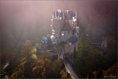 Morgenglühen auf Burg Eltz