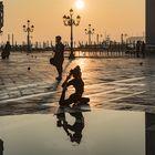 Morgengymnastik auf der Piazetta