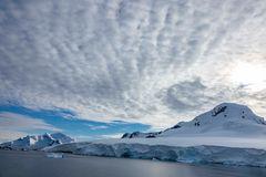 Morgenhimmel in der Antarktis