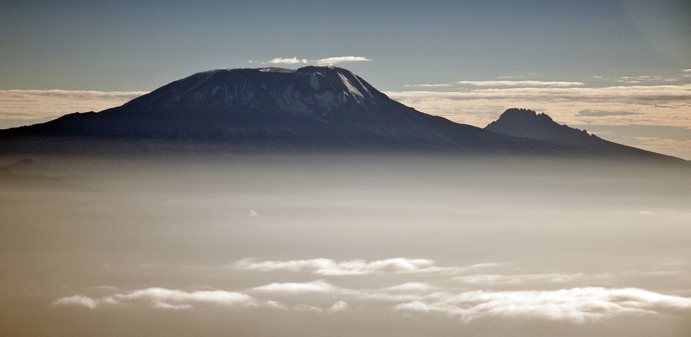 Morgennebel am Kilimanjaro