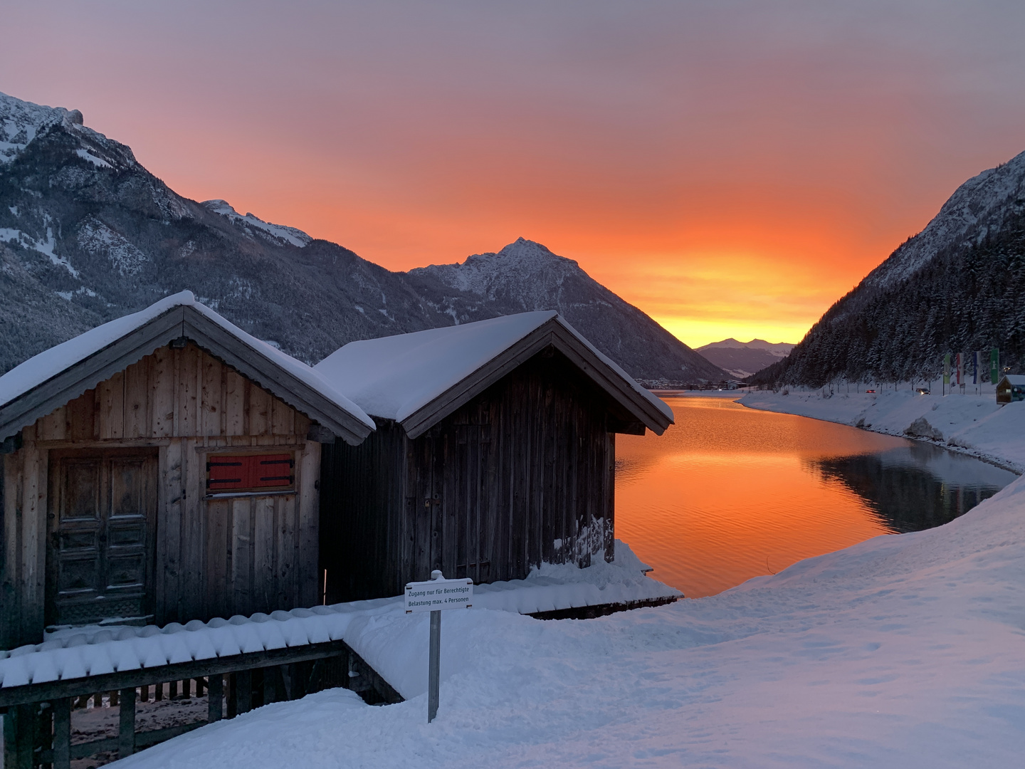 Morgenrot am Achensee.