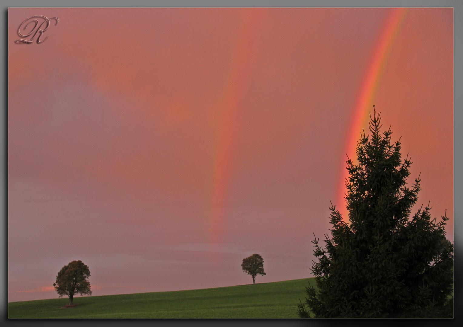 Morgenrot mit Regenbogen