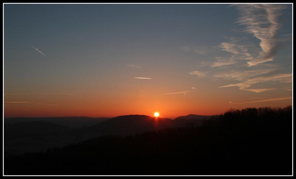 Morgenrot über dem Odenwald