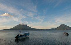 Morgens am Atitlán See ~ 2 ~