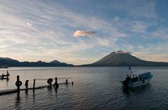 Morgens am Atitlán See ~ 3 ~