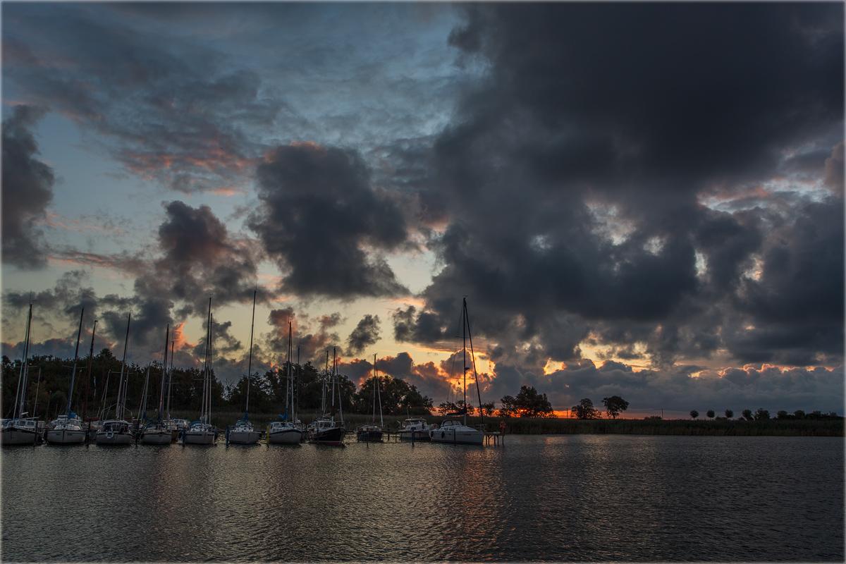 Morgens am Hafen...