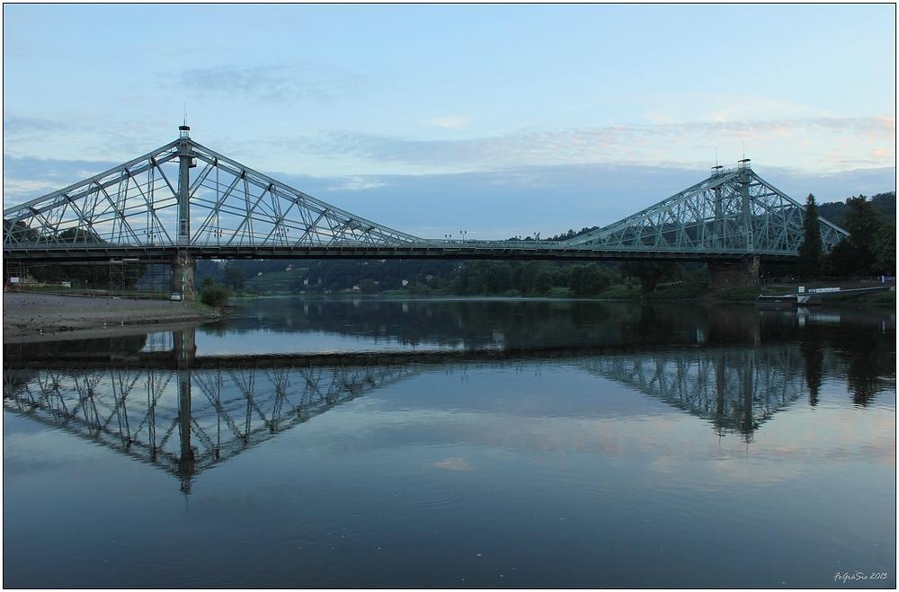 Morgens an der Elbe (4)