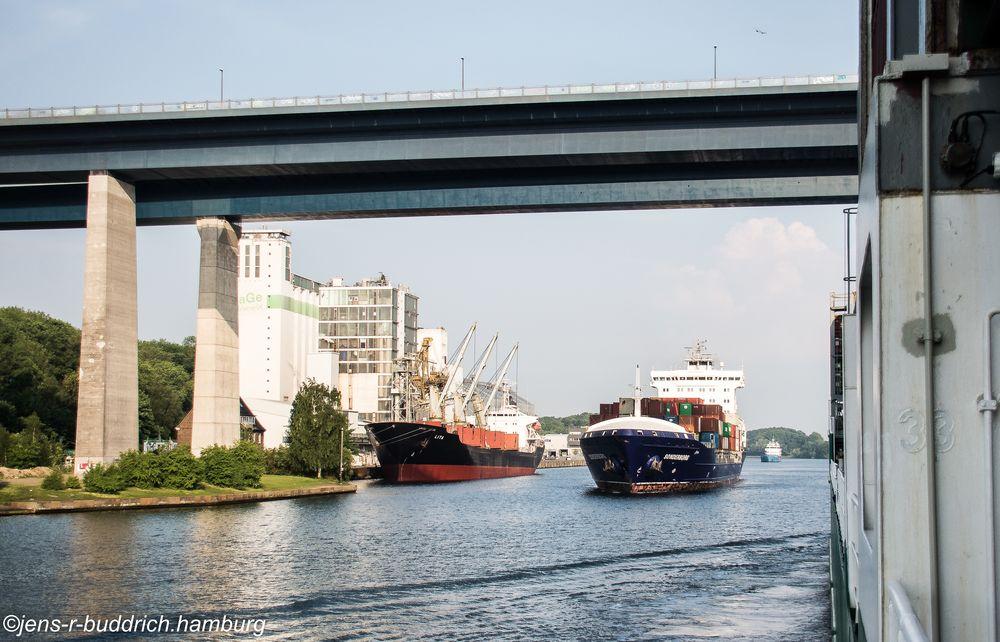 Morgens im Kanal