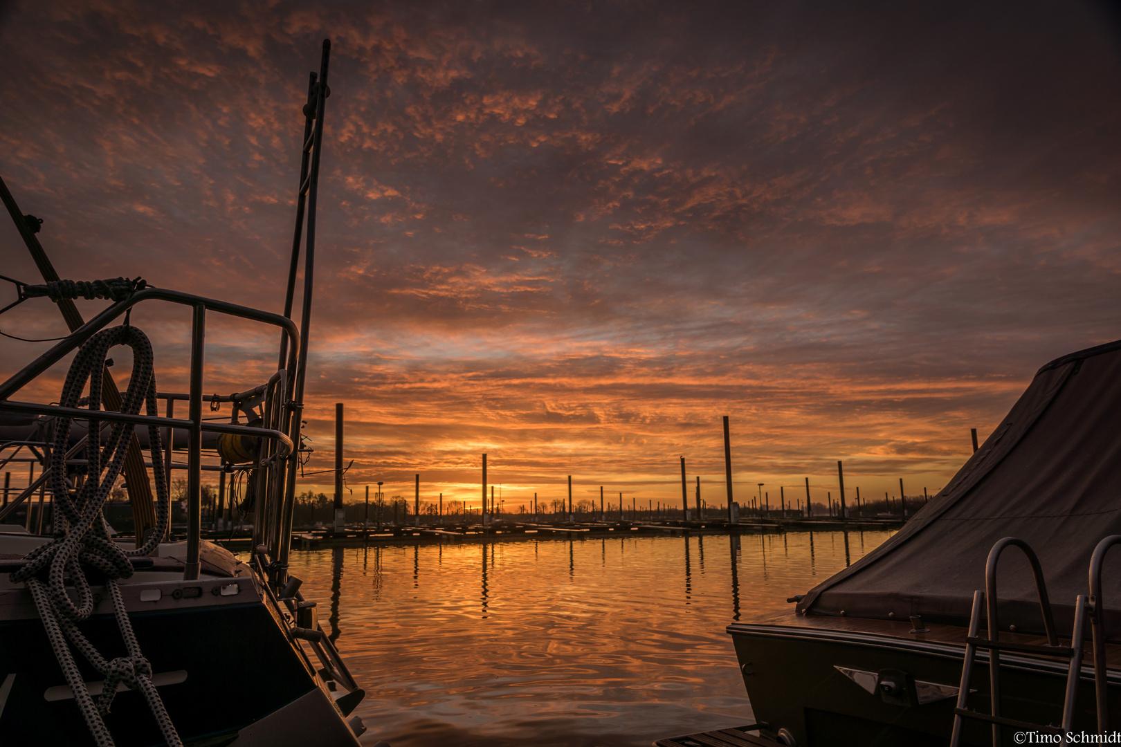 Morgens im Yachthafen...